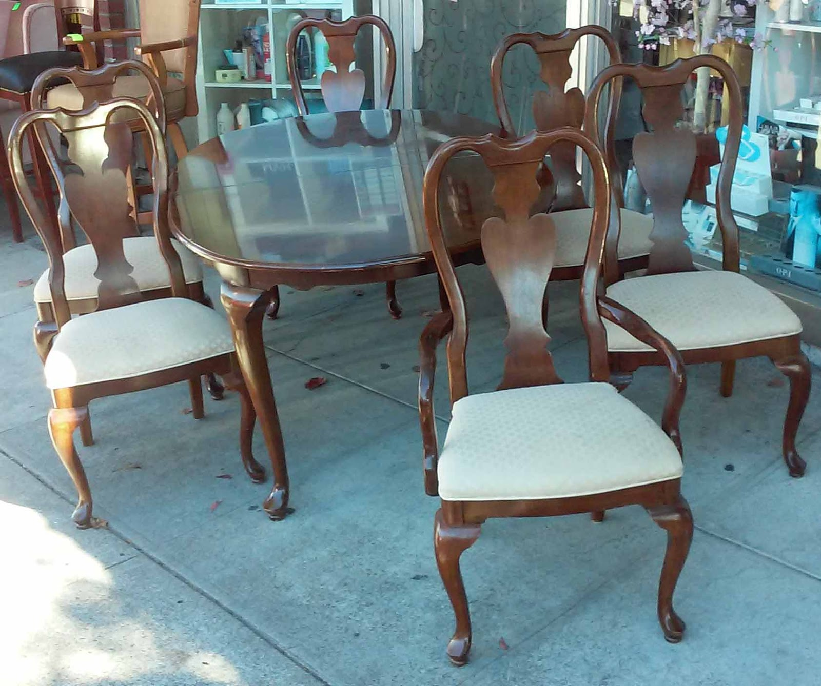 UHURU FURNITURE & COLLECTIBLES: SOLD Mahogany French Style
