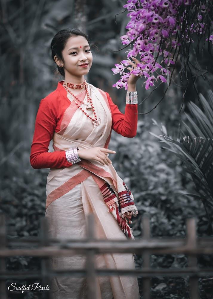 Assamese Model In Muga Mekhela Sador