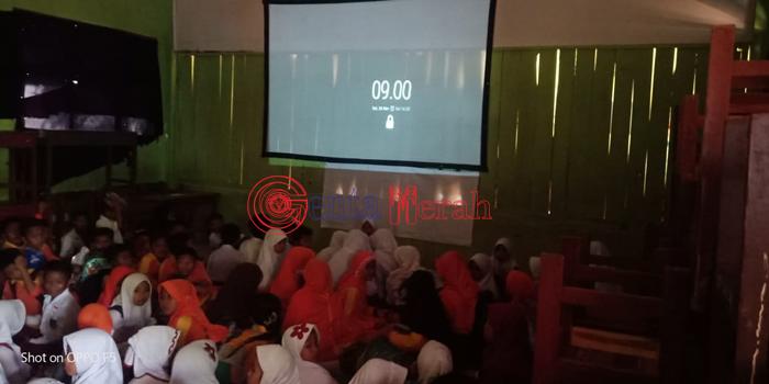 Untuk Nonton Film di Sekolah,  Siswa SDN 2 Mataram Udik Lamteng DItarik Dana Rp15 Ribu
