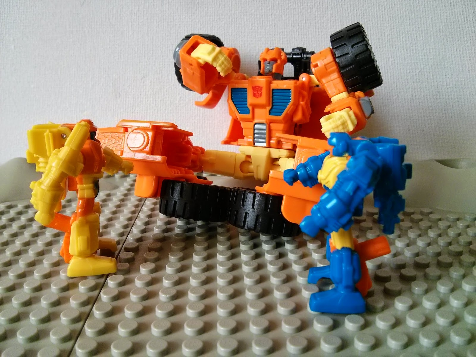 Scoop and his Targetmasters