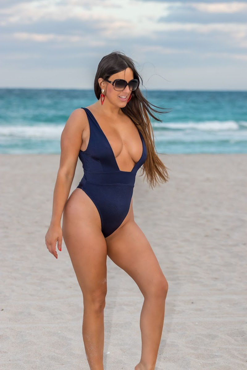 Claudia Romani Clicked in Swimsuit at South Beach 26 Jul -2020