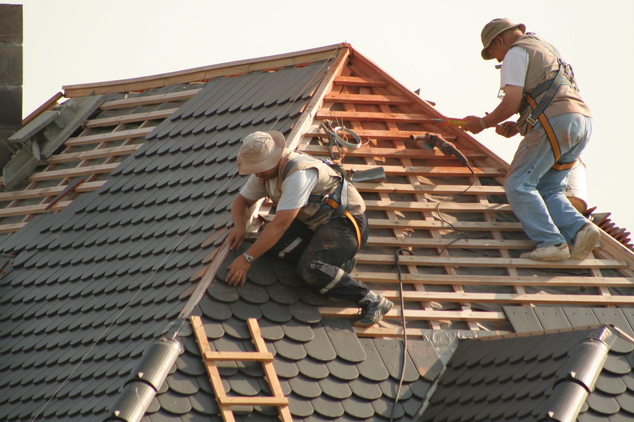 4 Reasons Why You Should Consider Roof Restoration