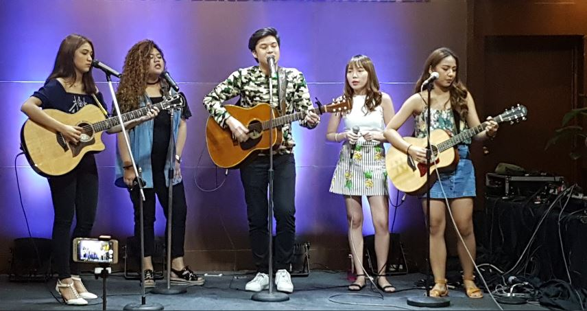 Promising musicians showcase talent in YouTube Jam Night
