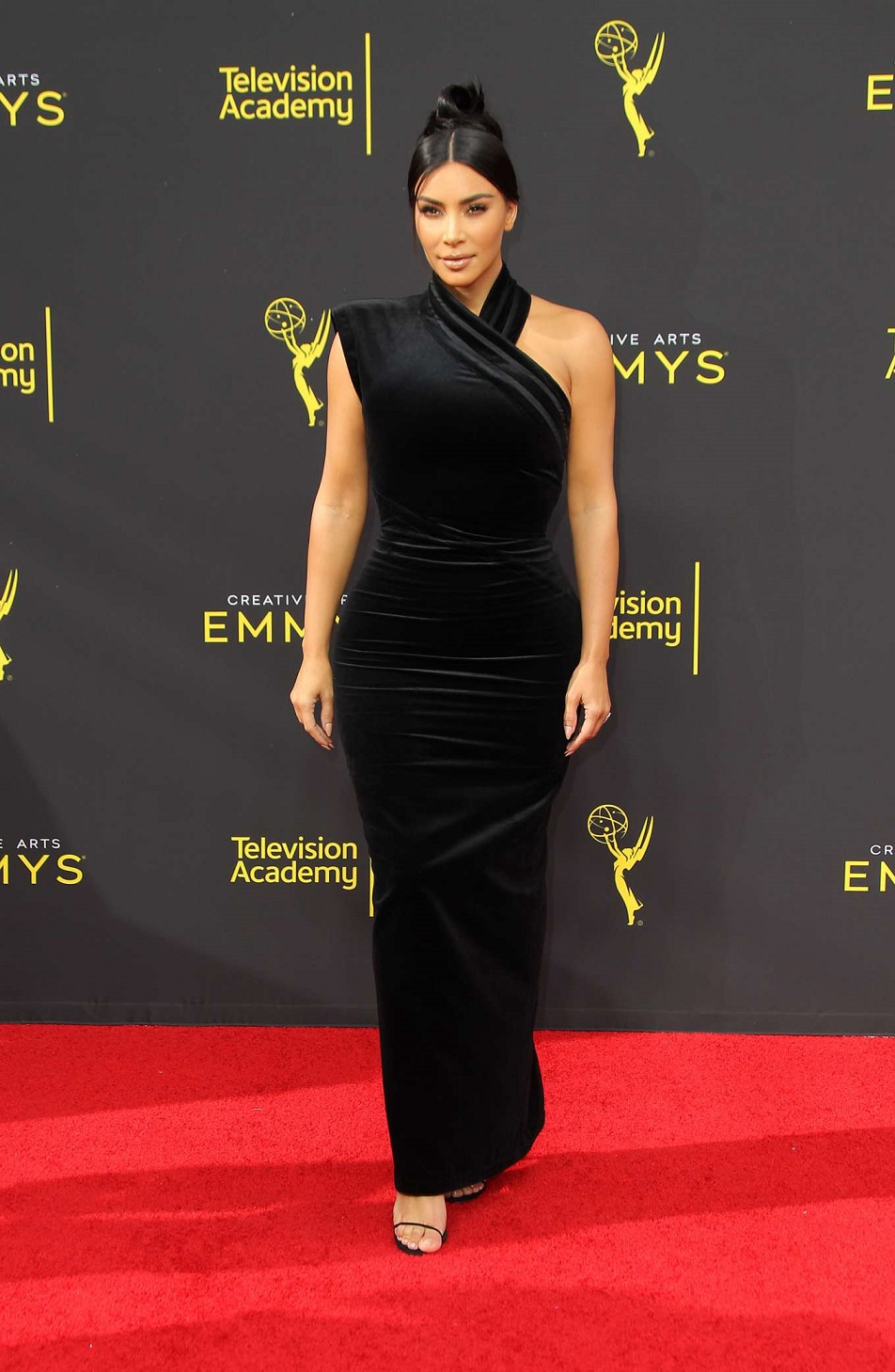 Kim Kardashian dazzles in black at the Creative Arts Emmys 2019