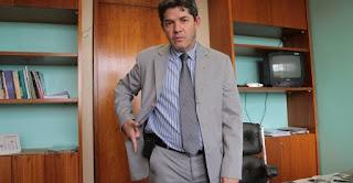 """Líder do PSL: """"quintal de Bolsonaro também está sujo. E o filho dele?'"""