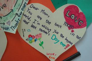 100學年度英語教學部落格: 五年級。母親節愛心海報製作。活化課程