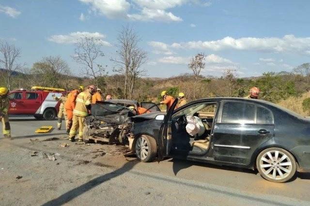 Uma Colisão frontal entre dois carros em Sobradinho deixa três feridos na DF-150! Confira