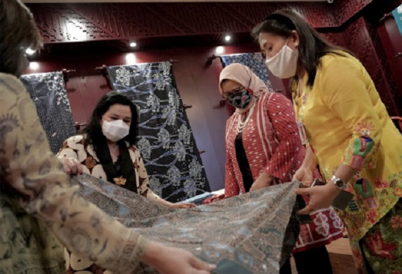Batik exhibitions still take place during the pandemic