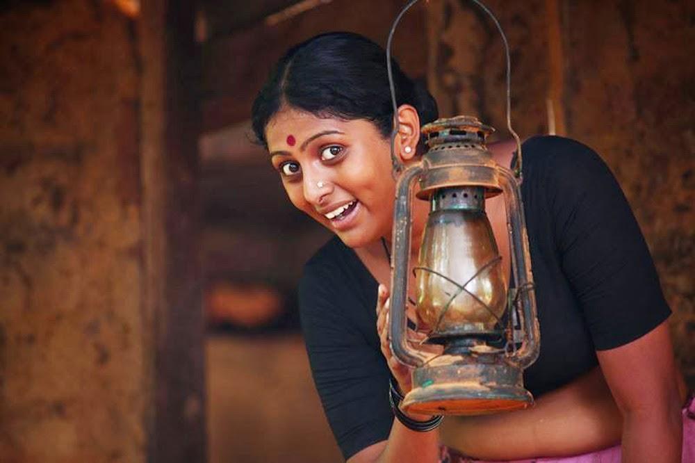 parankimala movie hot scene hq stills hot navel shows tv