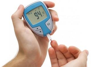 parmaktan açlık kan şekeri testi