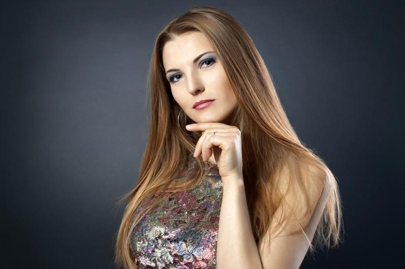julia antares singer songs writer
