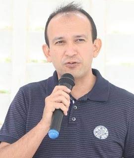 Mário Roberto protocola projeto de contratação de assistentes sociais e psicólogos nas escolas do município