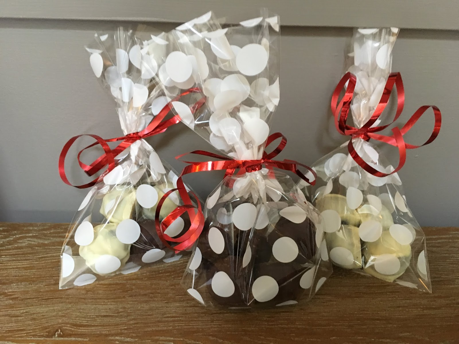 Prosecco and chocolate gift box