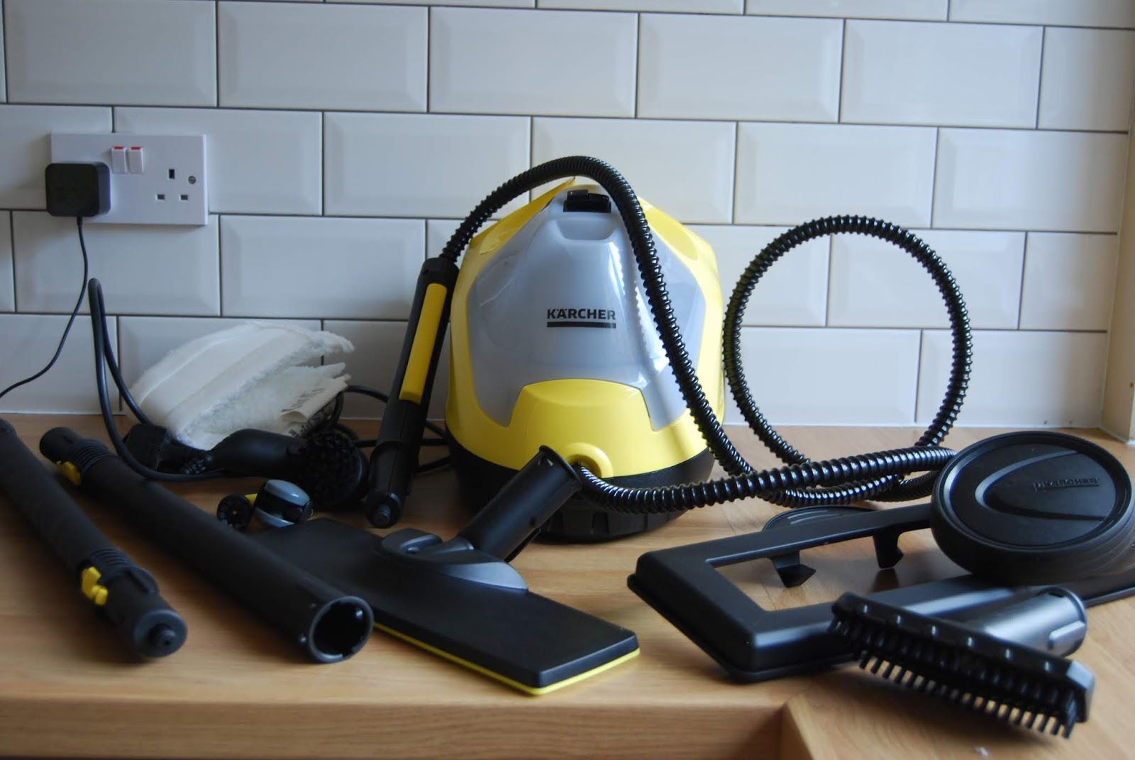 chic geek diary k rcher sc 4 easyfix premium steam cleaner review. Black Bedroom Furniture Sets. Home Design Ideas