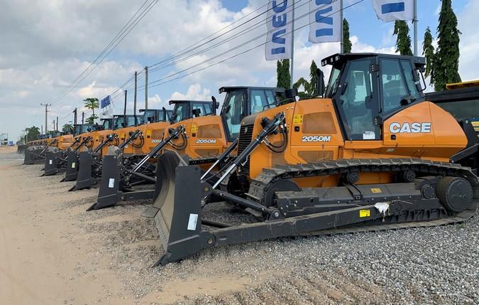 CASE entrega 125 equipamentos ao Ministério dos Transportes de Angola