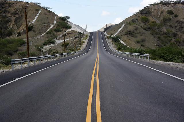 MOPC avanza en 97% trabajos en carretera 15 de Azua-Barahona