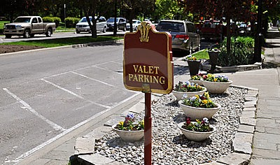 Luxor Valet Parking Services: Luxor Valet Parking in Granada