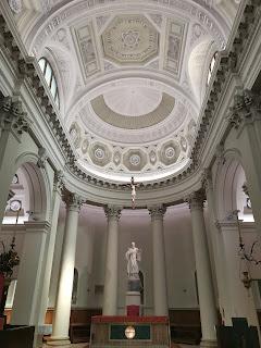 l'interno del Duomo di San Marino