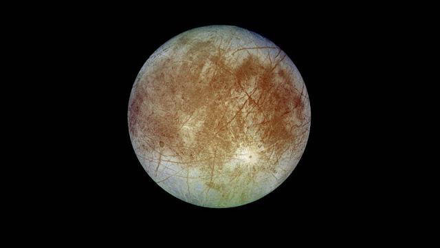 ناسا تطلب من المجتمع العلمي التفكير في إمكانية إنزال مركبة فضائية على يوروبا الجليدي حول كوكب المشتري