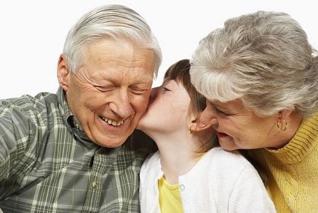 Jika Anak Tidak Suka Dengan Kakek Neneknya, Ini yang Perlu Bunda Lakukan