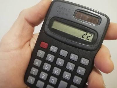 Calcolatrice che mostra la cifra 22, ventidue