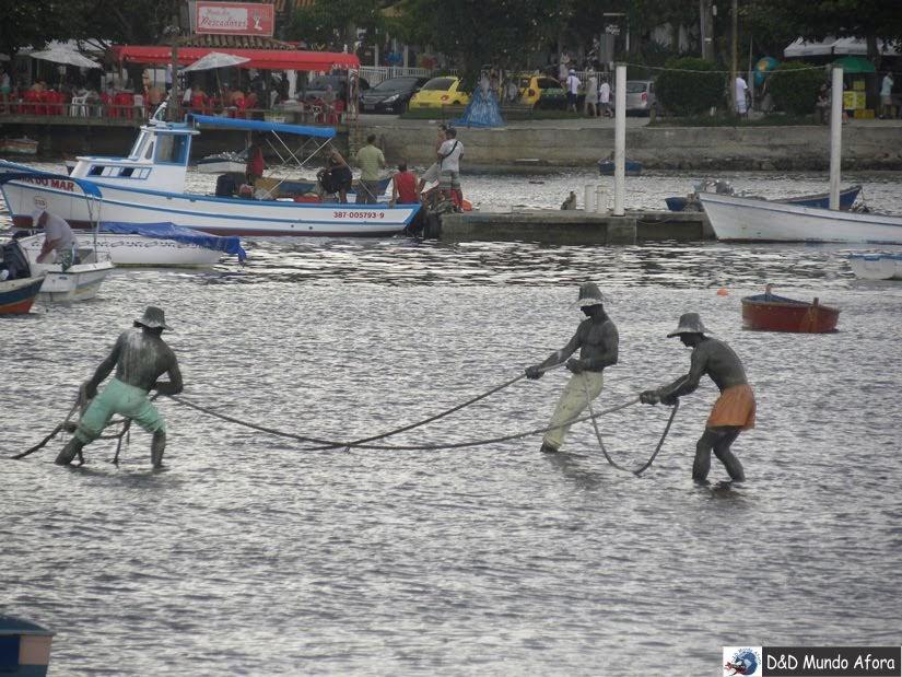 Monumento em homenagem aos pescadores de Búzios - roteiro 1 dia em Búzios