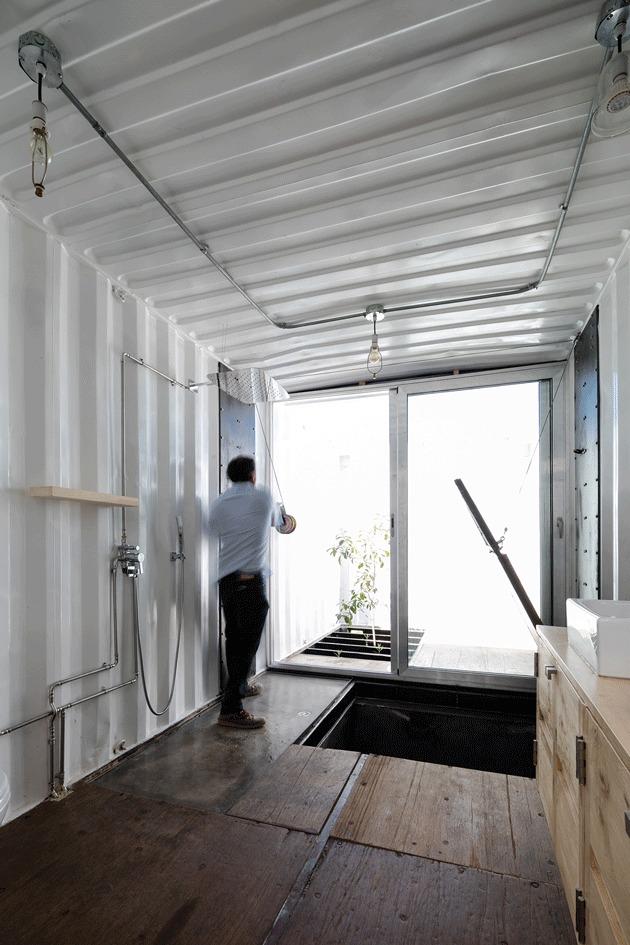 Casa RDP - Shipping Container Industrial Style House, Ecuador 27