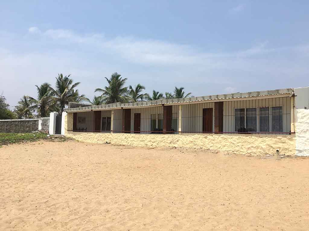 beach cottages in ecr