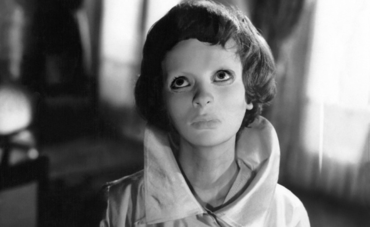 A Vintage Nerd, Vintage Blog, Old Hollywood Blog, Classic Film Blog, Eyes Without a Face Review, Retro Lifestyle Blog