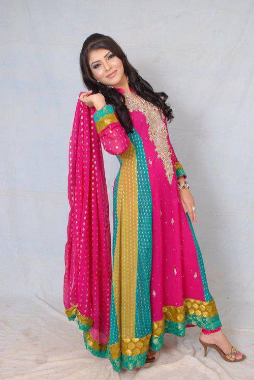 2d6ba1c5cd0a New Fashion   NEW CASUAL DRESSES IN PAKISTAN