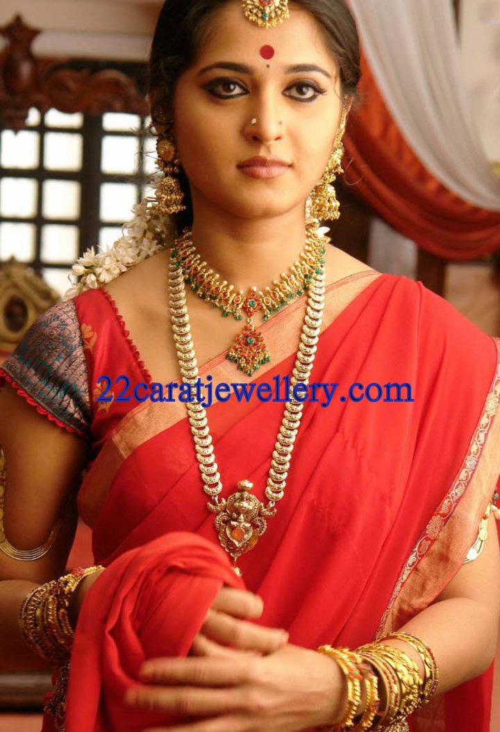 Anushka In Traditional Temple Jewellery Jewellery Designs