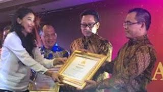 Bandara Blimbingsari raih bandara award.