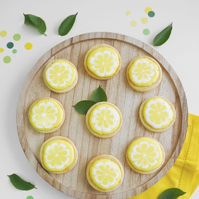 Lemon Decorated Sugar Cookies