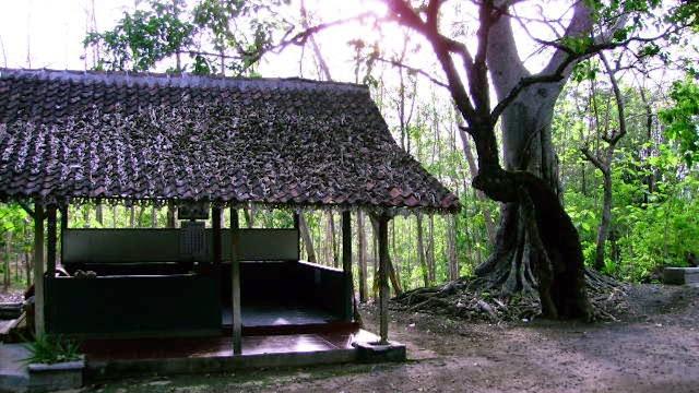 Misteri Watu Kosek di Sendang Sinongko