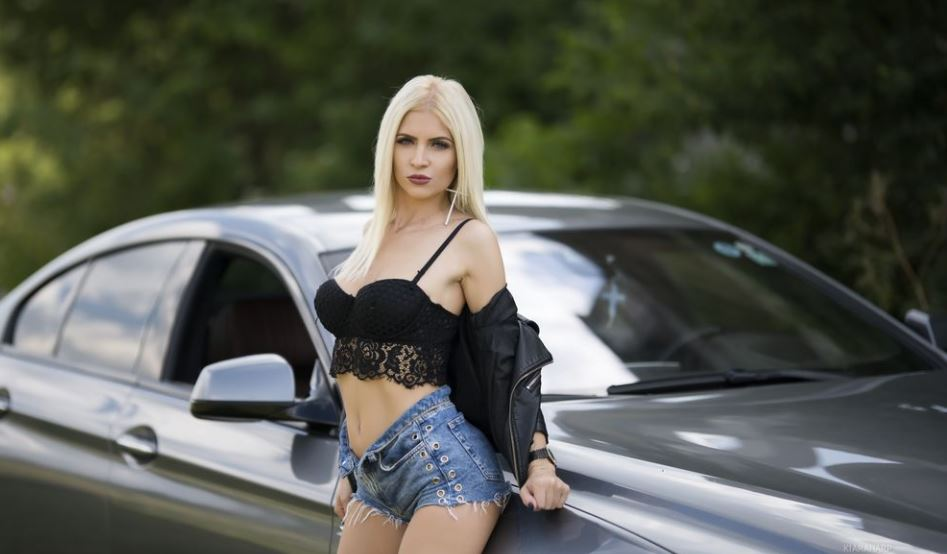 KiaraHarp Model GlamourCams