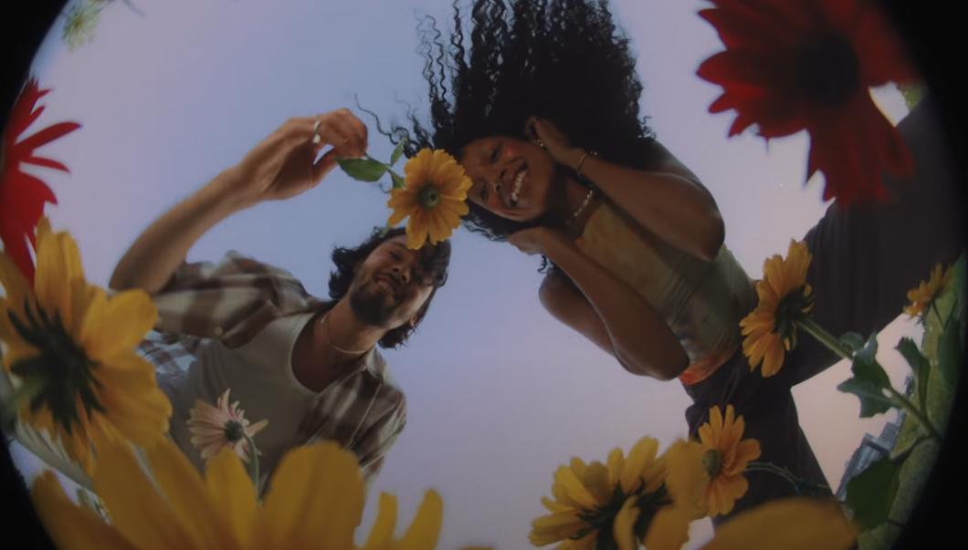 Phoro de Justin Nozuka extraite du clip Nova