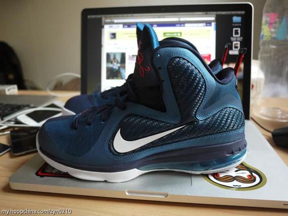 low priced 9d5c0 17a98 SNKROLOGY: A SOFT SPOT: Nike LeBron 9