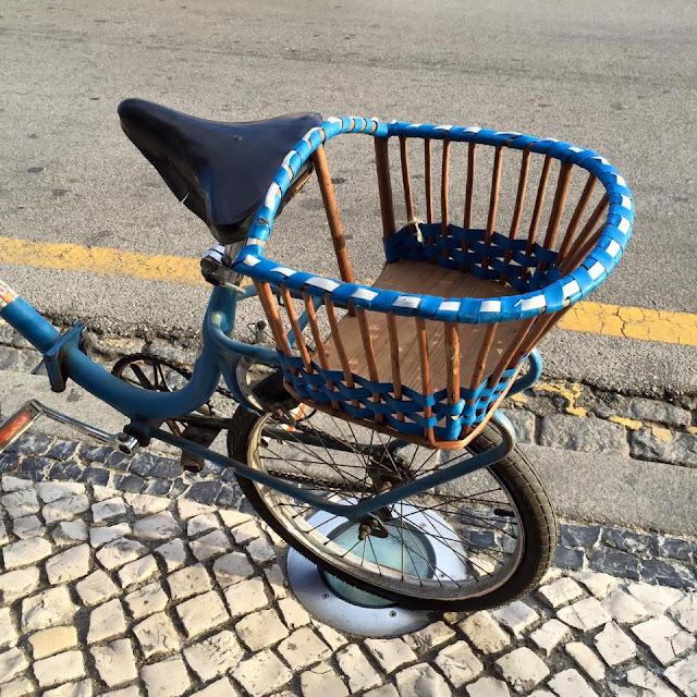 vintage, cadeira de criança. cadeira para bicicleta