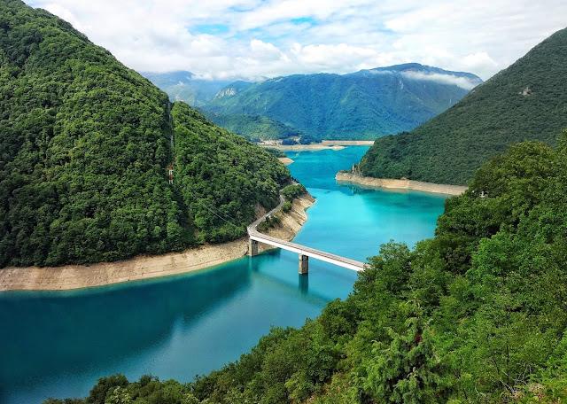 Самое красивое озеро в мире. Пивское озеро, Черногория