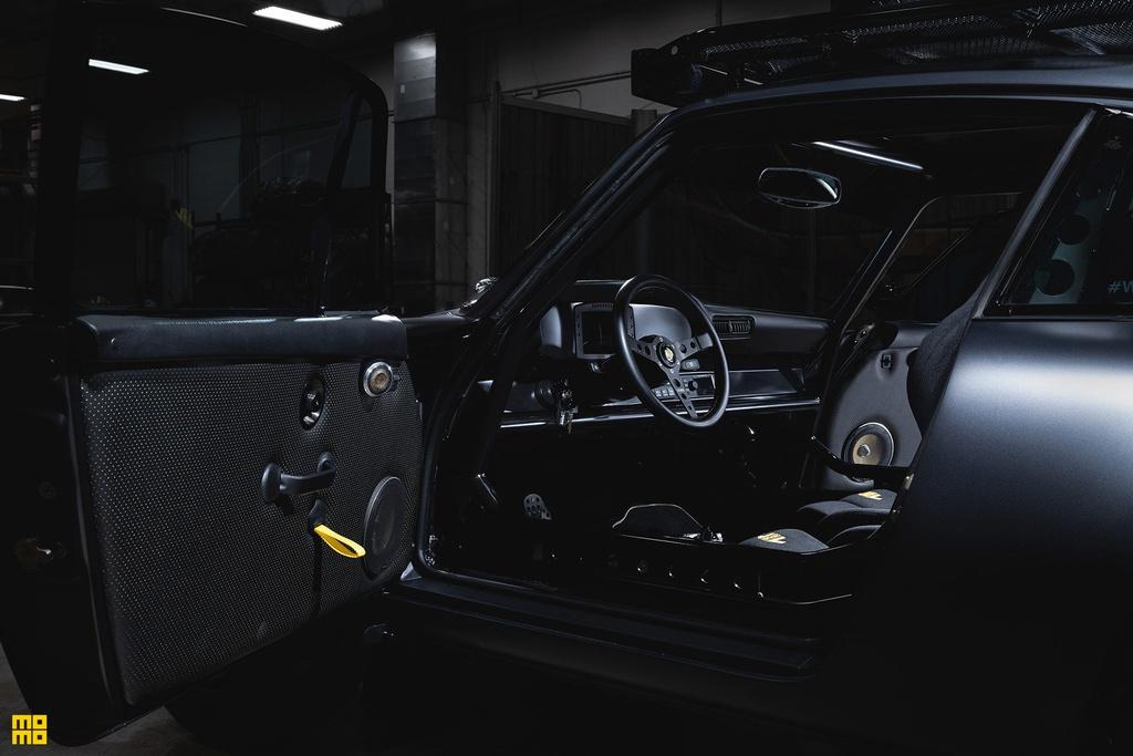 Porsche 911 Safari - bản độ nâng gầm chạy offroad giá 375.000 USD