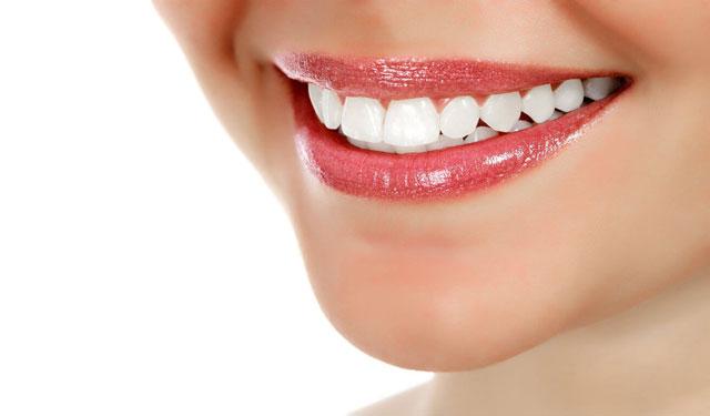 المحافظة على نظافة الفم والأسنان