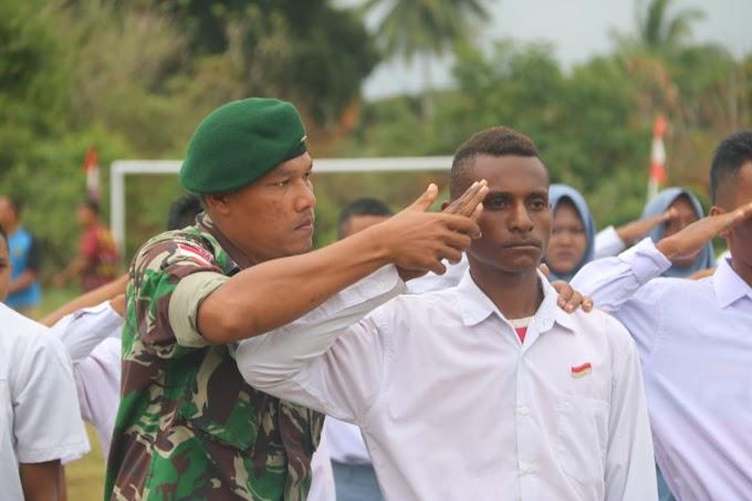 Jelang HUT ke-74 RI, Satgas Yonif Mekanis Raider 411 Latih Siswa Di Papua Jadi Paskibra