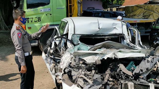 Mobil Rombongan F-PDIP Malang Kecelakaan di Tol Sragen, 1 Tewas 2 Kritis