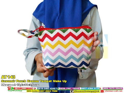 Souvenir Pouch Kanvas Tempat Make Up