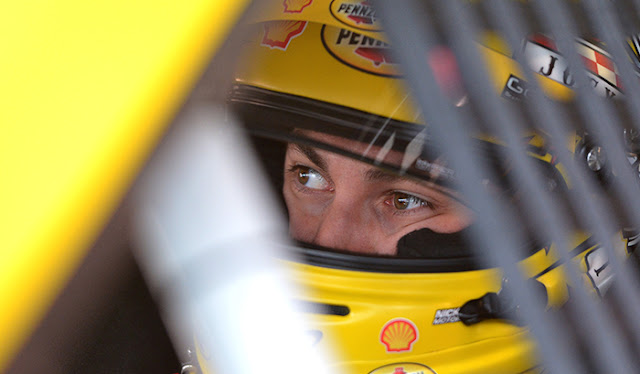Joey Logano qualifies on the pole