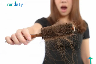 اسباب تساقط الشعر عند النساء، واهم طرق علاجه