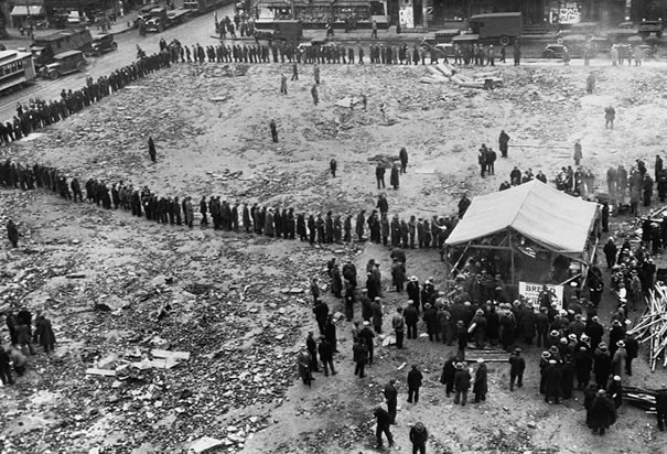 What Were Breadlines And Soup Kitchens