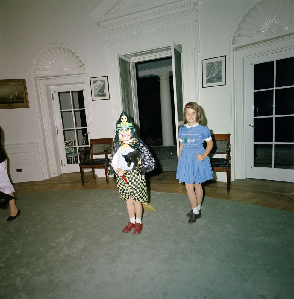 john f kennedy oval office. Caroline Kennedy Stands In The Oval Office, Wearing A Halloween Costume And Holding Cat. Caroline\u0027s Cousin, Maria Shriver, At Right. John F Office