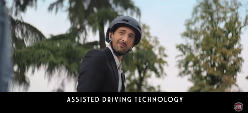 Attore testimonial Fiat pubblicità 500X con Adrien Brody con Foto - Testimonial Spot Pubblicitario Fiat 2017
