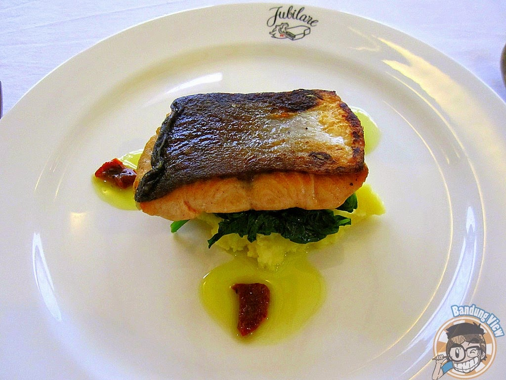 Jubilare Pan Fried Fresh Norsegian Salmon